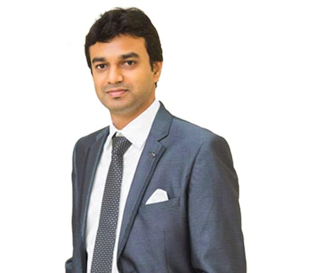 Dr. Vignessh Raj
